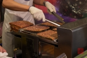 Taiwan 2012 - Taipei - St. Raohe Nachtmarkt - gegrillte Fleischscheiben