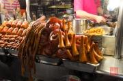 Taiwan 2012 - Taipei - Snake Alley - Schweineschwänze