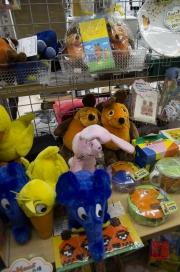 Japan 2012 - Osaka - Cosplay Shop - Sendung mit der Maus