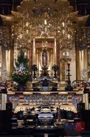 Japan 2012 - Tsukiji - Hongan-ji - Altar