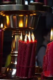 Taiwan 2012 - Taipei - Longshan Tempel - Gebetskerzen