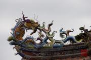 Taiwan 2012 - Taipei - Dalongdong Baoan Tempel - Dach - Drache orange