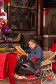 Baodingshan 2013 - Temple - Monk