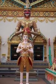 Malaysia 2013 - Georgetown - Wat Chaiya Mangkalaram - Sculptures