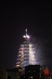 Taipeh 101 - 2013 Fireworks - White II