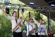Brueckenfestival 2014 - Flying Penguin I