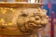 Hongkong 2014 - Man Mo Temple - Ash tray ornament