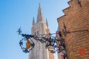 2015 Brugges - Moon & Liebfrauenkirche