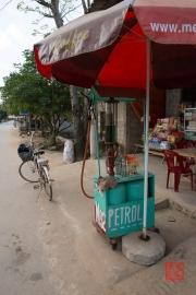 Phong Nha 2016 - Petrol station