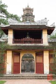 Hue 2016 - Pagoda & Door