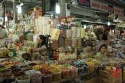 Hue 2016 - Market - Shop